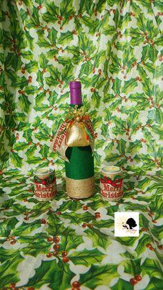 bouteille de vin décorée avec portes bougies pour la saison de Noël  #winebottledecor #diy #handmade #madeinhaiti #gift #giftideas #christmastgift #lampshade #christmas Diy Bottle, Wine Bottle Crafts, Diy Crafts, Decorate Wine Bottles, Noel, Candles, Puertas, Make Your Own, Homemade