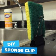 Use a binder clip as a sponge stand. 42 Seriously Useful Tips Every Clean Freak Needs To Know Household Cleaning Tips, Cleaning Recipes, House Cleaning Tips, Diy Cleaning Products, Cleaning Solutions, Deep Cleaning, Cleaning Hacks, Cleaning Schedules, Weekly Cleaning