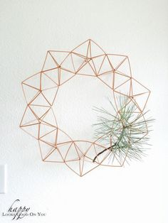 diy himmeli wreath, with an air plant instead Modern Christmas, Little Christmas, Christmas Holidays, Christmas Wreaths, Christmas Crafts, Christmas Decorations, Xmas, Diy And Crafts, Arts And Crafts