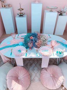 Turquoise and Pink Mermaid Birthday Party on Kara's Party Ideas | KarasPartyIdeas.com (6) Mermaid Party Decorations, Mermaid Parties, Balloon Decorations, Mermaid Balloons, Bubble Balloons, Mermaid Kids, Classy Halloween, Sprinkle Party, Mermaid Cakes