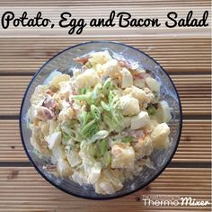 Potato egg and bacon salad Thermomix Vegetable Recipes, Vegetarian Recipes, Cooking Recipes, Cafe Recipes, Potato Salad With Egg, Bacon Salad, Wrap Recipes, Soup And Salad, Main Meals