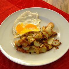Serpenyős hagymás krumpli Recept képpel - Mindmegette.hu - Receptek Gnocchi, Potato Salad, Potatoes, Eggs, Lunch, Breakfast, Ethnic Recipes, Food, Gourmet