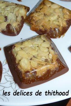 carrés croquants Amandes et chocolat - Le blog de lesdelicesdethithoad