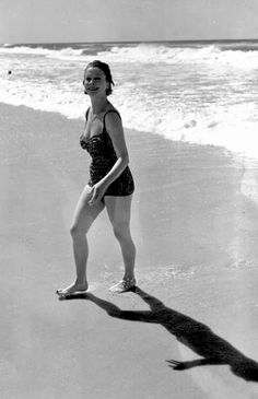 Vivien Leigh looking in fabulous shape on the beach. 1963