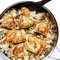 Makkelijk recept met groots resultaat! Kip in romige mosterdsaus met prei en champignons