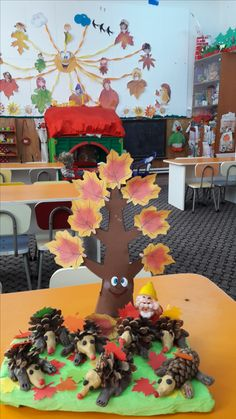 Autumn Activities, Activities For Kids, Kids Playing, Techno, Worksheets, Hedgehog, Preschool, Decoration, Painting