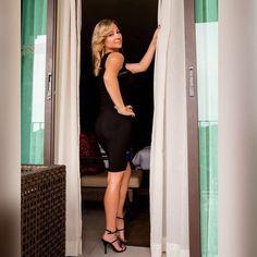 Nuestra guapísima  clienta Madina con el vestido Paula  de la Colección de Fiesta