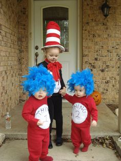 What's more adorable than your kid in a Halloween costume? A joint costume for all your kids! Here are 63 ideas. Fröhliches Halloween, Family Halloween Costumes, Halloween Cupcakes, Holidays Halloween, Family Of 3 Costumes, Dr Seuss Costumes, Halloween Clothes, Halloween Outfits, Vintage Halloween