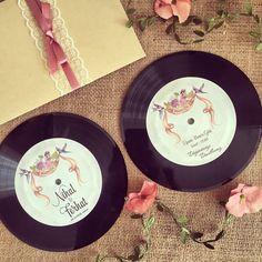 Plak davetiye / Record wedding invitation www.masalsiatolye.com #masalsiatolye #davetiye #plak #record #weddinginvitation