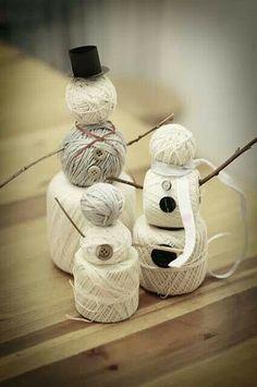 Decoración navideña con conos de hilo - #DecoracionNavideña, #Manualidades, #Navidad http://navidad.es/12691/decoracion-navidena-con-conos-de-hilo/