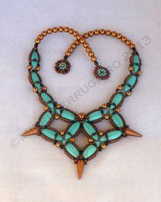 TUTORIAL Celtic Knot Necklace