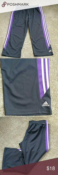 Adidas Active athletic capris Adidas Active athletic capris. Inseam : 22 inches long. adidas Pants Track Pants & Joggers