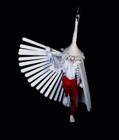 Heron Dance of Tsuwano Yasaka Shrine, Shimane Prefecture, japan Charles Freger, Shimane, Top Photographers, Beautiful Costumes, Japan Art, Japanese Culture, Maneki Neko, Puppets, Wearable Art