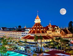 The Famous Hotel Del Coronado... such an amazing place with an awesome history!