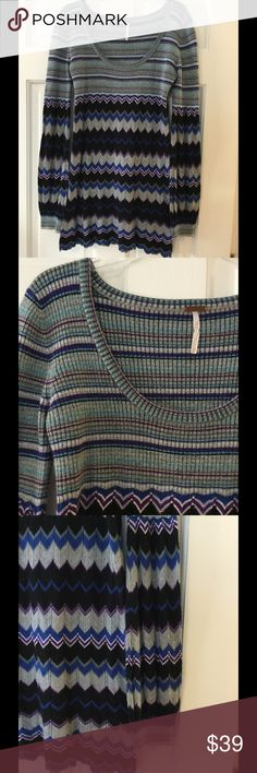 """Free People lightweight chevron tunic sweater Super soft, lightweight FP sweater tunic has banded cuff sleeves. Acrylic/wool/spandex.  Underarm across 16"""". Length 30"""". Excellent condition. EUC. Free People Sweaters Crew & Scoop Necks"""