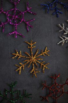 Rust & Sunshine: 12 Days of Christmas - Day Sparkly Snowflakes Noel Christmas, Christmas Snowflakes, 12 Days Of Christmas, Diy Christmas Ornaments, Winter Christmas, Holiday Crafts, Holiday Fun, Christmas Decorations, Christmas Activities