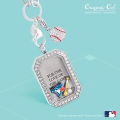 Batter Up! Toronto Bluejays is just one of the new Origami Owl MLB Charms part of the 2015 summer collection! Origami Owl Lockets, Origami Owl Jewelry, Locket Bracelet, Locket Charms, Mlb, Oragami, Personalized Charms, Jewelry Companies, Charm Jewelry