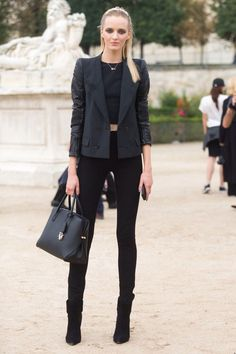 all black everything - blazer, skinny jeans, heel booties, structured tote