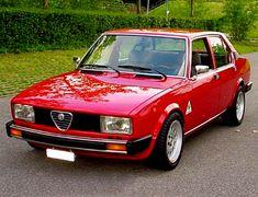Una pepatissima Alfetta 2000, dipinta in un fiammante rosso corsa Alfa Romeo Gtv 2000, Alfa Romeo Cars, Alfa Romeo Giulia, Classic European Cars, Classic Cars, Classic Italian, Alfa Gtv, Alfa Romeo Spider, Fiat 600