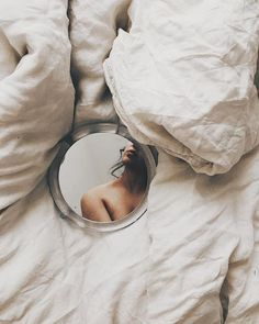 Gorgeous Fine Art Self-Portrait Photography by Rosie Hardy Mirror Photography, Self Portrait Photography, Photo Portrait, Body Photography, Creative Photography, Digital Photography, Inspiring Photography, Photography Tutorials, Self Portrait Poses