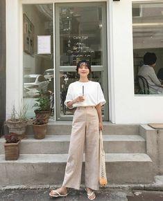 Korean Fashion – How to Dress up Korean Style – Designer Fashion Tips Korean Girl Fashion, Korean Fashion Trends, Korea Fashion, Asian Fashion, Ulzzang Fashion Summer, Fashion Styles, Style Fashion, Tokyo Street Fashion, Korean Street Fashion