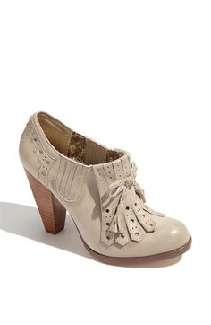 Diff style bootie than I usually wear but I love these!! With tights and a skirt and cute sweater or cardigan... Def!!