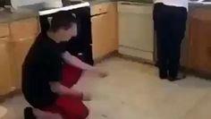 Ve el vídeo «JAJAJA como se la ganó» subido por CPost - PalFeis a Dailymotion.