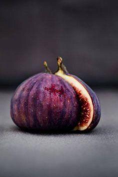 Fig by Richard Boll Fruit Photography, Food Photography Styling, Still Life Photography, Food Styling, Fruit And Veg, Fruits And Vegetables, Top Photos, Robert Mapplethorpe, Think Food