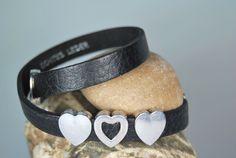 Wickelarmbänder - Lederwickelarmband schwarz mit Herzen - ein Designerstück von DaiSign bei DaWanda