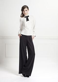 RAMONA SHIRT - Tuxedo style, with its pleated belt and removable bow tie, it is perfect for a wor wear inspiration