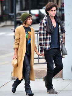 ~Penn Badgley and Zoe Kravitz; in la la la la lourveee!~