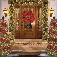 Wish I could make my front porch look like this for Christmas!!!  GORGEOUS!!!!!