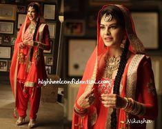 Jacqueline Fernandez as she dons a Nikasha ensemble for the movie Kick! Punjabi Fashion, Ethnic Fashion, Bollywood Fashion, Indian Fashion, Bollywood Celebrities, Punjabi Salwar Suits, Punjabi Dress, Salwar Kameez, Punjabi Girls