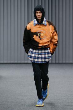 Balenciaga | Menswear - Autumn 2017 | Look 23