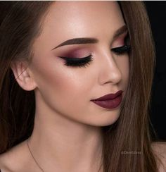 Cranberry makeup look