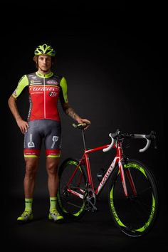 #WilierTriestina becomes title sponsor of #Southeastteam! #Italian brand steps up involvement in time for the #GirodItalia! #FilippoPozzato shows the new team kit!