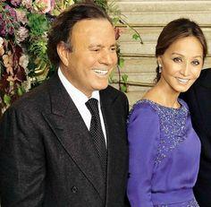 Isabel Preysler and Julio Iglesias | Julio-Iglesias-e-Isabel-Preysler-en-la-boda-de-su-hijo-Julio-José ...