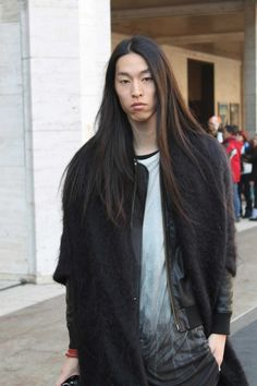NEW YORK FASHION WEEK AW 2013/2014: BLACK AND WHITE STREETSTYLES | bevogued blog