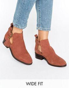 22 meilleures images du tableau Accessories   Shoe boots, Black et ... a2a9696df1da