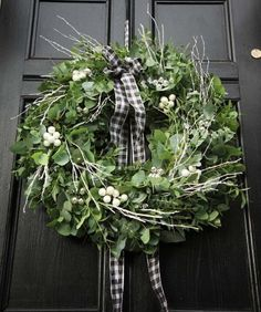 43 Elegant Christmas Decoration Door Wreath For Home Ideas. Wreaths have become one of the most popular kinds of Christmas decorations in recent times. And there are many kinds of wreaths made from va. Elegant Christmas Decor, Christmas Door Decorations, Xmas Wreaths, Wreaths For Front Door, Door Wreaths, Grapevine Wreath, Flower Wreaths, Christmas Makes, Christmas Diy