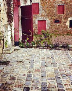 clean cobblestone  this feels so tranquil. Via, Gabrielle @ Design Mom.