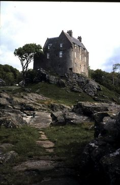 Duntrune Castle ✿༺ Argyll, Scotland. Scotland Castles, Scottish Castles, Beautiful Castles, Beautiful Places, Outlander, Places To Travel, Places To See, Castle Ruins, England And Scotland