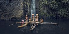 "Jimmy Nelson is a photographer who recently published his second major project under the title ""Homage to Humanity. Bill Murray, Jimmy Nelson, Cultural Identity, Cultural Diversity, Jean Baptiste, Etsy Shop, Papua New Guinea, Image Shows, Cool Photos"
