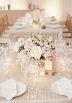 Champagne and Blush colors for this gorgeous low centerpiece!