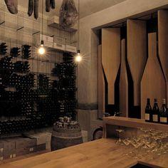 red pif restaurant and wine shop Praga