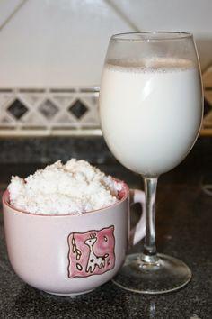 Uma vez feito o leite de aveia, parti para outro leite. Desta vez o de coco!   E podem crer que é tão fácil como o primeiro!       Vamos à ...