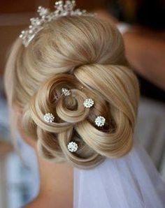 [New] The 10 Best Easy Hairstyles (in the World) Short Hair Styles Easy, Medium Hair Styles, Curly Hair Styles, Wedding Hair And Makeup, Hair Makeup, Peinado Updo, Hair Upstyles, Easy Hairstyles For Medium Hair, Bridal Hair Accessories