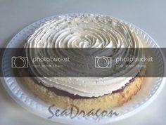 Feather-Light Sponge Cake with Jam & Cream Light Sponge Cake Recipe, Sponge Cake Recipes, Poke Cakes, Layer Cakes, Strawberry Cakes, Cream Cheese Frosting, Vanilla Cake, Nutella, Chocolate Cake
