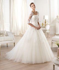 A Line Strapless Brush Train Ivory Tulle Wedding Dress B14P0035