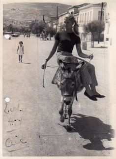 American actress Candice Bergen rides an ass called Anagnosti through the streets of Galaxidi, Greece during a break in filming The Day the Fish Came Out. Candice Bergen, Old Pictures, Old Photos, Vintage Photos, Pier Paolo Pasolini, History Of Photography, Military Women, Pretty Lingerie, My Ride